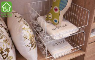 当衣柜尺寸不能满足需求的时候,收纳用品总能帮到您